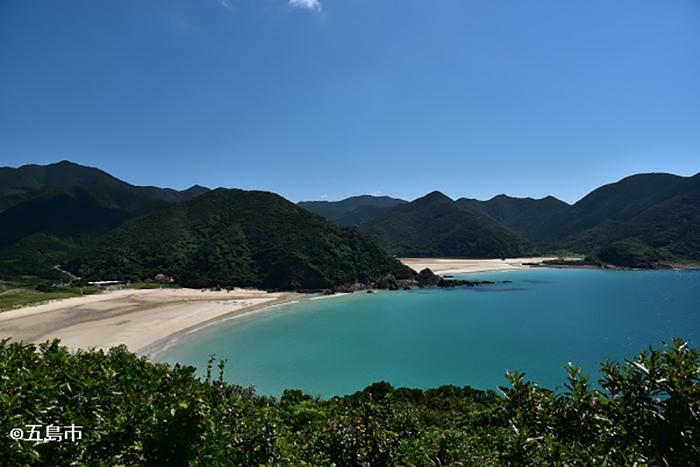 日本で最も美しいといわれるビーチ「高浜海水浴場」